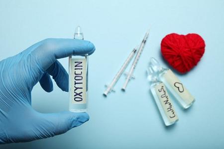 اکسی توسین چیست, اکسی توسین, هورمون اکسی توسین ,هورمون عشق: اکسی توسین چیست و چه عوارضی دارد؟,hormone oxytocin sideeffects,