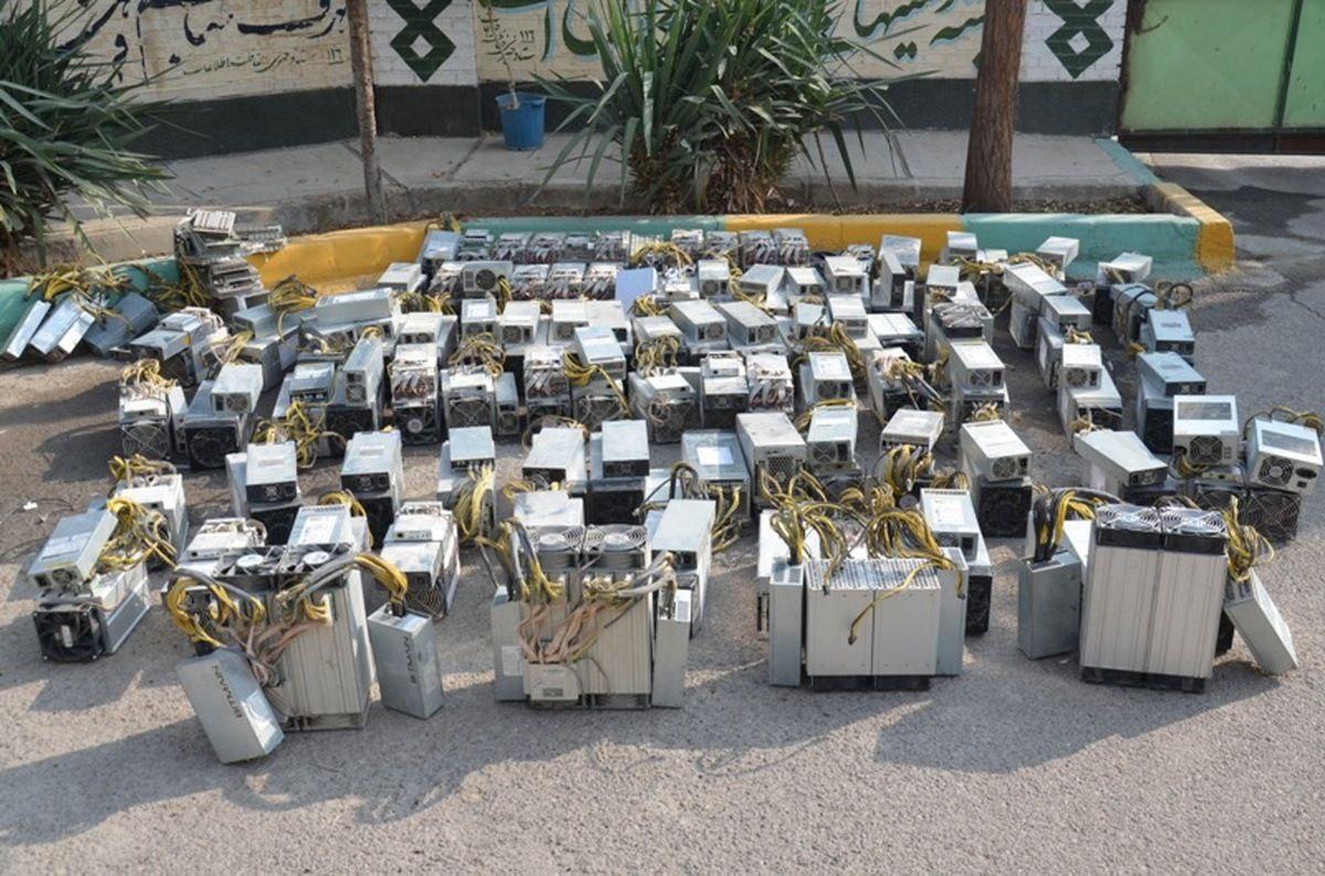 جریمه میلیاردی برای استخراج ارز دیجتال قاچاق در بندر انزلی